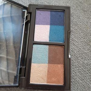 🦄 3/$25 Laura Mercier quad palette